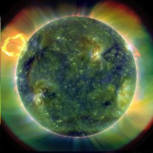 NASA首次公布太阳动力学探测卫星影像
