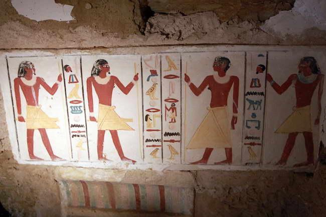 古埃及4300年前古墓壁画鲜亮美丽